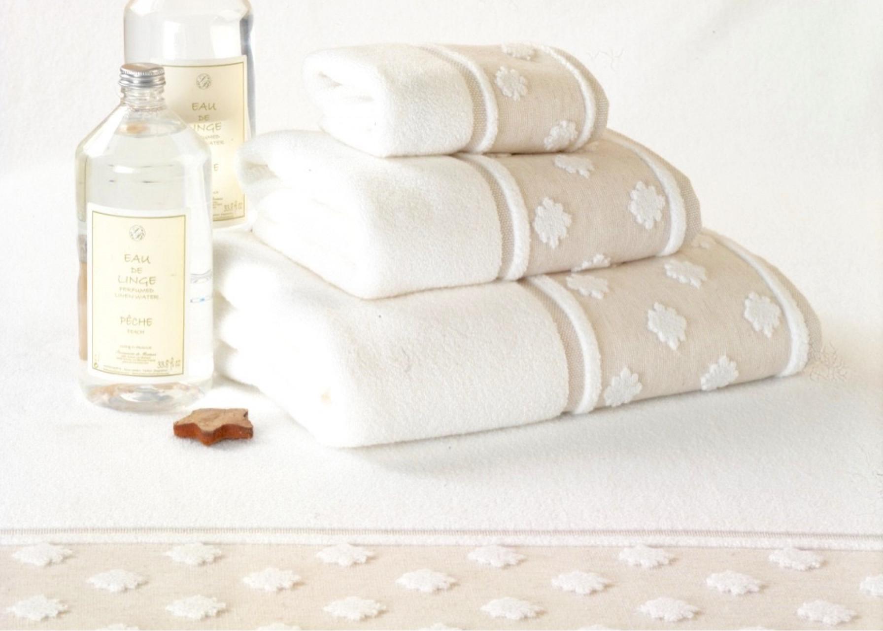 Πετσέτες μπάνιου / Λευκή